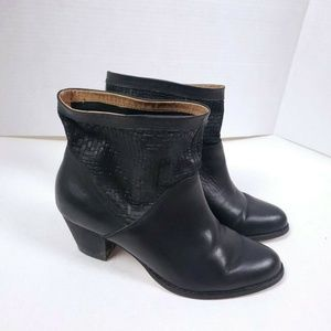 CORSO COMO 6 Leather Black Netted Booties Ankle